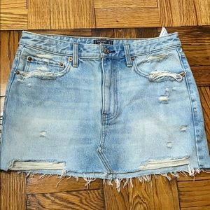 NWT Abercrombie & Fitch low rise micro mini skirt
